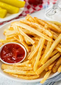 Frites Mcdonalds, Mcdonalds French Fries Recipe, Mcdonalds Recipes, Mcdonald French Fries, French Fries At Home, Best French Fries, Crispy French Fries, Homemade Fries, Essen