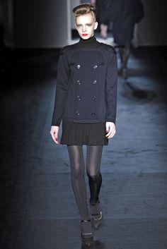 Moschino Fall 2009 Ready-to-Wear Fashion Show - Sophie Srej