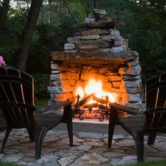 Outdoor fireplace, as the name implies, is a fireplace outside the houses. Rustic Outdoor Fireplaces, Outdoor Fireplace Patio, Outside Fireplace, Rustic Fire Pits, Outdoor Fireplace Designs, Fire Pit Backyard, Diy Fireplace, Backyard Patio, Modern Fireplaces