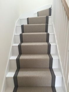 Brown Carpet Design - Cozy Carpet Living Room - Black Carpet Show - Brown Carpet, White Carpet, Diy Carpet, Modern Carpet, Rugs On Carpet, Carpet Ideas, Carpet Trends, Grey Carpet Hallway, Basement Carpet