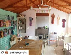 If you're in the north west of England this Saturday pop into @siobhanscrafts studio for an Open Day. She will have fluff galore!  Full details of where to find her are on her profile. She's not too far from my studio so perfect for a detour. ________________ #siobhancrafts #manchester #cheshire #dyestudio #wool