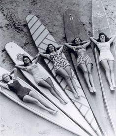 SURFIN` cruello: Surf sirens, Manly beach, New South Wales. 1936 via SURFIN` cruello: Surf sirens, Manly beach, New South Wales. 1936 via Vintage Surfing, Surf Vintage, Vintage Love, Retro Vintage, Vintage Black, Retro Surf, Vintage Girls, Vintage Style, Vintage Men