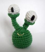 Eyeball Alien free crochet pattern from crochetville