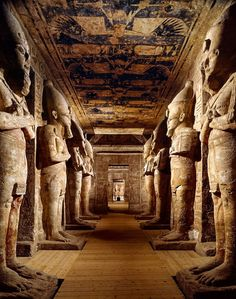 Egyptian temple with statues of Ramses II. Beautiful example of ancient architecture and design which really highlights the art of Egypt. Ancient Egyptian Architecture, Architecture Antique, Architecture Wallpaper, Architecture Design, Ancient Egypt History, Ancient Ruins, Ancient Egypt Pyramids, Ancient Artifacts, Ancient Greece