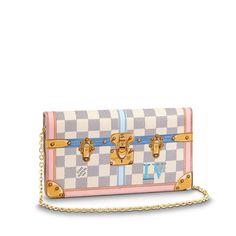 0d35d1481c6 Pochette Weekend via Louis Vuitton Louis Vuitton Trunk, Louis Vuitton  Accessories, Flat Mules,