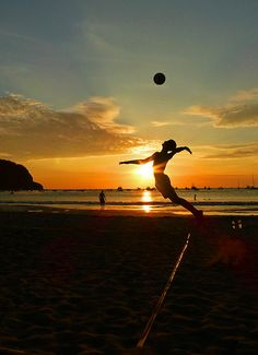 The Serve | The evening volleyball in San Juan del Sur, Nica… | Flickr - Photo Sharing!