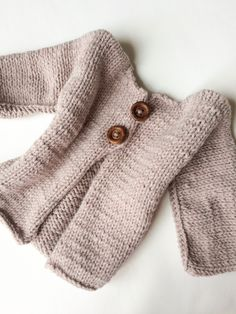Beige knitted chunky cardigan, girl sweater, knitted baby clothes, 2 years old jumper, boy birthday gift, kids knitted top, baby top #etsy #clothing #children #jumper #beige #kidsknittedtop #handknitcardigan #knittedbabyclothes #knittedgirlsweater #babyphotoprop