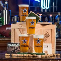 True champions know Man Crates is the finish line for all the best sports gifts for men. Pick from our dream team of sports crates for all his favorite teams. Diy Gifts For Boyfriend, Birthday Gifts For Boyfriend, Fathers Day Gifts, Man Crates, Unique Date Ideas, Curated Gift Boxes, Subscription Gifts, Sports Gifts, Nfl Sports
