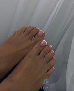 French Tip Toes, French Tip Pedicure, Cute Nail Colors, Pedicure Colors, Acrylic Toe Nails, Pretty Nail Art, Fire Nails, Nail Tech, Manicures