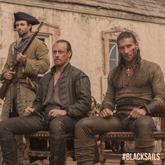Stars of 'Black Sails': (From left) Toby Stephens as Captain James Flint and Zach McGowan as Captain Charles Vane Charles Vane Black Sails, Black Sails Starz, Captain Flint, Toby Stephens, Pirate Adventure, Pirate Life, Pirate Art, Tom Hopper, Character