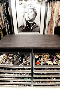 I love this for storing jewelry... now I just need some more jewelry!