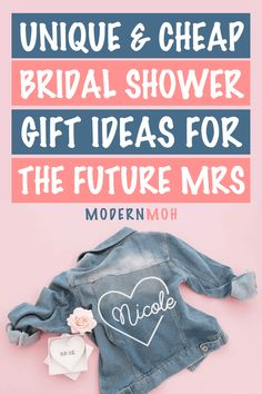 28 Bridal Shower Gifts That Aren\'t on the Couple\'s Registry Personalized Bridal Shower Gifts, Unique Bridal Shower Gifts, Wedding Shower Gifts, Wedding Day Gifts, Bride Gifts, Maid Of Honour Gifts, Maid Of Honor, Vow Book, Wedding Vases