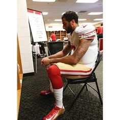 """""""Do not underestimate the determination of a quiet man."""" Good morning #teamck and Happy Tuesday! As the Niners prepare for Arizona, can't help but notice several transformations of our fave QB on/off the field! What transformation do you notice the most? Looking forward to our squad bouncing back in 5 days! Have a terrific Tuesday! #colinkaepernick #kaepernick #kaepernick7 #49ers #7tormscoming #transformationtuesday"""