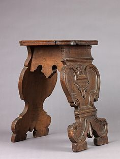 Stool    Date:      late 15th–early 16th century  Classification:      Woodwork-Furniture  Credit Line:      Robert Lehman Collection, 1975  Accession Number:      1975.1.2004