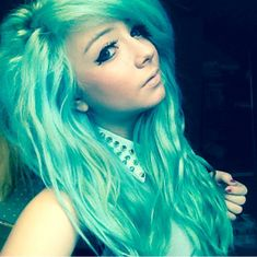 Manic Panic Panic® Atomic Turquoise and Voodoo Blue hair dye! (via xomodelmelissa on IG)