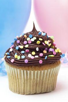 Ideas originales para decorar tus cupcakes¿Qué tendrán estos pequeños dulces que tanto nos gusta? Los cupcakes (o magdalenas, de...