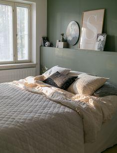 Sisustusta, suunnittelua, haaveilua, ideoita ja ajatuksia asunnon remontoinnista omaksi kodiksi. Home, Tiny Living Space, Home Bedroom, Closet Bedroom, Interior Inspiration, Residential Interior, Interior, Bedroom, Living Spaces