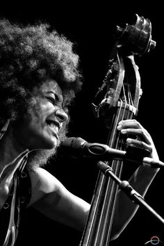 Welcome Jazz lovers! Feel free to share Jazz music and photos. Jazz Artists, Jazz Musicians, Musician Photography, Portrait Photography, Esperanza Spalding, Jazz Songs, Cool Jazz, Smooth Jazz, Music Pictures