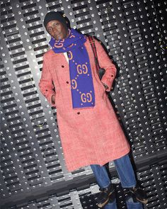 William Ndatila in Milan for the Gucci Fall Winter 2019 show by Alessandro Michele. Balenciaga, Givenchy, Valentino, Gucci Fashion, Fashion Show, Fashion Design, Alessandro Michele, Visual Diary, Designer Wear