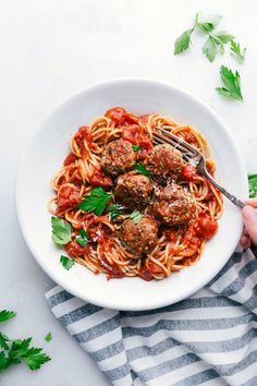 classic turkey meatballs are healthy, super moist, and packed with flavor! They're easy to make, work well for meal prep, and freeze beautifully. Recipe via chelseasmessyapron Turkey Meatball Sauce, Italian Turkey Meatballs, Healthy Meals To Freeze, Healthy Recipes, Healthy Meatballs, Chelsea's Messy Apron, Turkey Recipes, Turkey Food, Turkey Meals