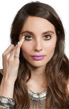 How to Do a Smoky Eye in Literally 10 Seconds