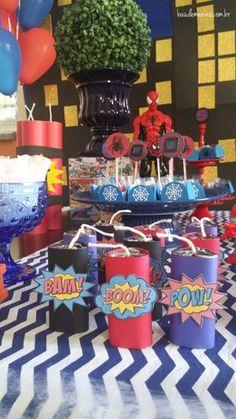 Festa Homem-Aranha Mais 5th Birthday Party Ideas, Birthday Themes For Boys, Superhero Birthday Party, Wonder Woman Birthday, Wonder Woman Party, Henri 3, Superhero Party Decorations, Hulk, Festa Pj Masks
