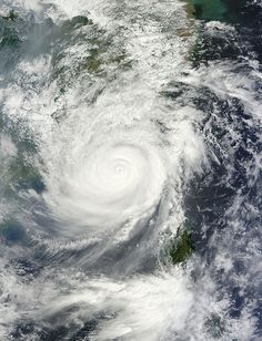 Typhoon Usagi approaching China