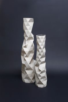 White Faceture vases by Phil Cuttance  Check his website to wath the making of a vase : www.philcuttance....