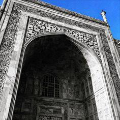 #Agra #uttarpradesh #India #architecture #building #buildingporn #history #historical #heritage #travel #international #iphoneonly #instagood #igers #taj #tajmahal #wondersoftheworld #worldwonder #blue #bluesky #bnw #blackandwhite #colorsplash by tyler.kemper #TajMahal #IncredibleIndia #Agra