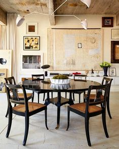 Modern Contemporary Living Room, Contemporary Kitchens, Traditional Dining Rooms, Traditional Kitchens, Exposed Brick Walls, Gio Ponti, Room Interior Design, Furniture Arrangement, Dining Area