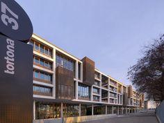 Tortona 37 Multi-Purpose Complex / Matteo Thun & Partners