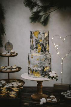 Concrete Cake Hochzeitstorte Winterhochzeit im Industrialdesign Wedding Decorations, Table Decorations, Industrial, Blog, Home Decor, Perfect Wedding, Extravagant Wedding Cakes, Light Installation, Newlyweds