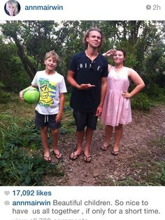 Awww, I feel sorry for the Irwin family.I give my love to them. Just realised that they have matching flip flops though! Ashton Irwin, Irwin Family, 5sos Updates, Bae, 5sos Memes, Michael Clifford, My Escape, 1d And 5sos, Second Of Summer