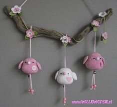 Adorable little birdies, hanging from a tree.  #crochet #amigurumi