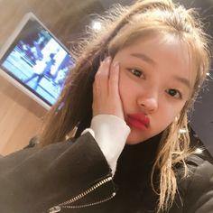 Twitter Kpop Girl Groups, Korean Girl Groups, Kpop Girls, Stan Love, Selena Gomez Photoshoot, Oh My Girl Yooa, Kpop Girl Bands, Punch In The Face, Forever Girl