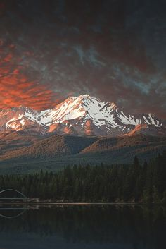 #lsleofskye:    Mt. Shasta Sunset