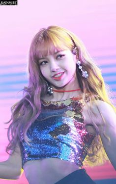 BLACKPINK | LALISA MANOBAN | pint: @blinkyqueen