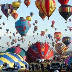I so did not know we had a hot air balloon festival in Alabama! // Alabama Hot Air Balloon Festival in May Decatur, AL Memorial Day