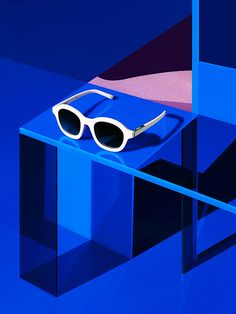 Photography – Still Life / PHILLIP LIM / LINDA FARROW - untitled