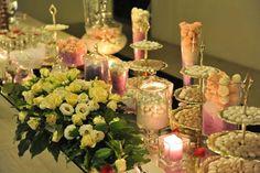 La confettata mille petali e candele.  ............................................................  Attimi di un amore.  www.royalpaestum.it  Wedding in Paestum  www.amatelier.com