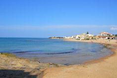 Spiaggia di Punta Secca || Punta Secca  || Santa Croce Camerina  || RG  || Sicily  || Italy  - PH Paola Spart?  Re-Discover  --> http://etnaportal.it/santacrocecamerina/punta_secca_1 ...la piu' fotografata spiaggia della sicilia(seconda solo a Scala dei Turchi) Follow us on / Seguici su  Altre foto di Paola Spartá http://etnaportal.it/paolasparta  #etnaportal #sicily #italy #tourism #travel  #sicilia #italia #turismo #viaggi #traveltoitaly #ig_exquisite #ig_factor_italy #photos_of_italy…