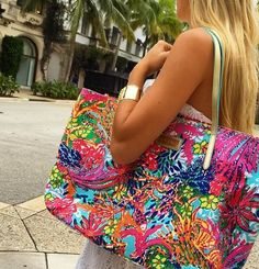 Lilly Pulitzer Resort Tote in Fishing for Compliments