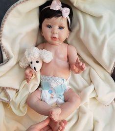 Bebê Reborn Menina Molde Kylin Inteira de Silicone Macio Enxoval e Body  Carters KYLIE - À 3cab18acded