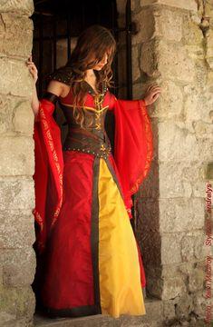 Andralys - Robe de mariée médiévale fantasy : guerrière Elfe Le col et les…
