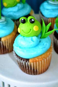 cute frog cupcake