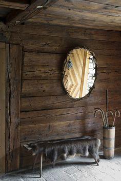 Austria - Carinthia  Detail of the entrance with a Scottish mirror by Stefanoscata @Linda Bruinenberg Jones White