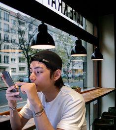 Foto Bts, Bts Photo, Taehyung Selca, Daegu, Bts Boys, Bts Bangtan Boy, Hyuna Photoshoot, V Bts Wallpaper, Bts Aesthetic Pictures