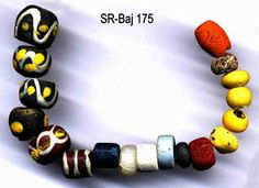 The early Bavarian cemetery of Straubing-Bajuwarenstraße: I. Catalogue of archaeological features and finds Ia. The beads color images - Univers ...