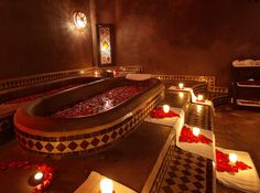 Depuis experts dans les techniques du SPA, Hammam et Massages professionnels à Marrakech. Spa Luxe, Luxury Spa, Luxury Travel, Hammam Massage, Spa Hammam, Romantic Bathtubs, Romantic Bathrooms, Saunas, Spa Plan
