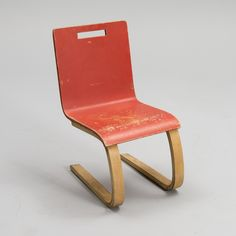 Alvar Aalto; Birch and Lacquer Children's Chair for Artek, c1931.